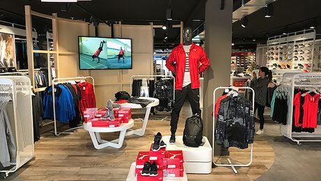 Digital instore campaigns via InstoreTV